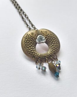 Collier carpe koi bleue, collier poisson, collier animal, collier marin, collier japon, bijou carpe, bijou poisson, bijou japon, bijou bronze et bleu