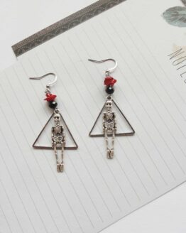 Boucles d'oreilles squelette et rose, boucles d'oreilles gothique, bijou rock, bijou alternatif