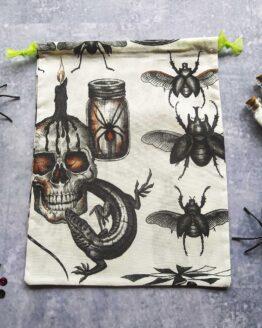 sac à vrac gothique, sac vrac halloween, sac à vrac gothique, sac vrac gothique, pochon halloween, pochon gothique, sac réutilisable, sac zéro déchet, sac écologique, course écolgoque, course zéro déchet, zero dechet gothique, rock, cabinet curiosités
