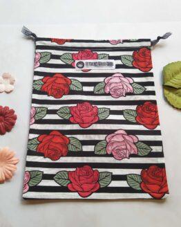 Sac à vrac rose, sac à vrac rockabilly, sac à vrac fleurs, pochon fleurs, pochon roses, pochon rockabilly, pochon rétro, sac à vrac rétro, oldschool, sac zéro déchet, zéro déchet