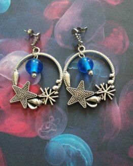 Boucles d'oreilles pendantes plage pour l'été avec des coquillages et étoiles de mer
