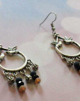 Boucles d'oreilles pendantes hirondelles et pampilles pour un look rétro, bohème ou pin up
